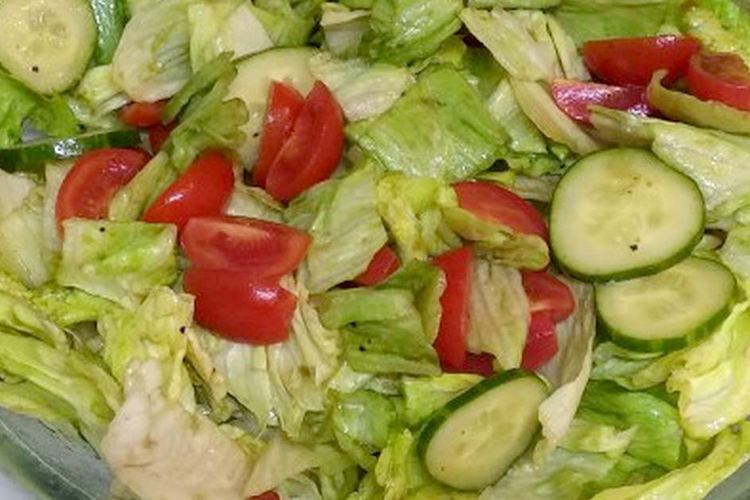 Simple Lettuce Salad Recipe with Tomato and Cucumber